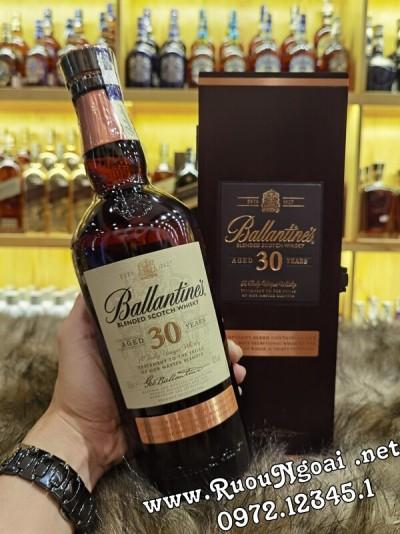 Rượu Ballantine's 30 Năm