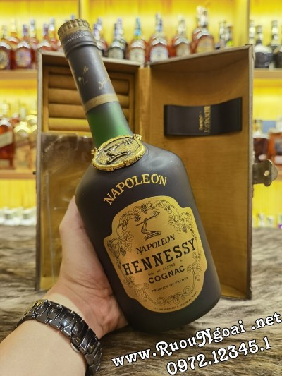 Rượu Hennessy Napoleon 1970