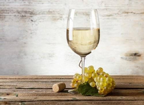https://i2.wp.com/www.eatthis.com/wp-content/uploads/media/images/ext/521051933/white-wine-glass.jpg?resize=500%2C366&ssl=1